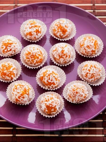 Постни морковени бонбони с орехи - снимка на рецептата